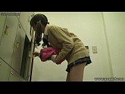 貧乳だけど半端じゃない可愛さのツインテール女子校生がスク水に着替える瞬間を神盗撮w 盗撮動画