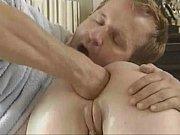 Порно видео парень подсматривает за лесби