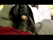 Голая гимнастка тренируется демонстрируя свою пизду видео