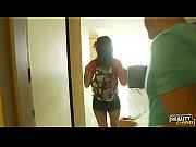 Брат с сестрой трахаются порно ролики