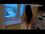 Девушка смотрит как ее подруга сосет у ее мужа порно видео