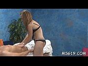 Порно лезбиянок ноги в попе по колено