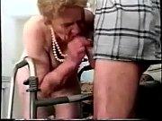 Порно парень обожает лизать попку