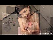 Смотреть онлайн видео оральный жесткий секс с знаменитой порно звездой