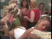 celá biela holka roztlieskavačky orgie