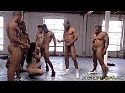 Аппетитная телочка ласкает свое тело в порно игре с мастурбацией Шалости голубоглазой телочки