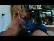 Видео блондинку спящую имеют в анал