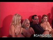 Видео порно-секс в пеньюаре молодые мамочки