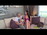Длинноногая красотка испанка порно видео