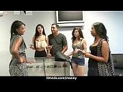 Видео где лишают девственности