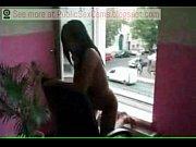 Порно госпожа заставляет раба сосать хуй