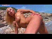 blondynka laura na plaży