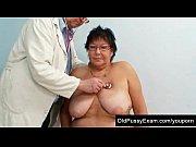 Девушка в первый раз в порноклубе