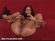 Порно роликы зрелая женщина пристает к парню