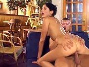 Дочь смотрит как отец трахает ее подругу порно видео