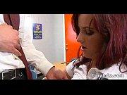 Видео порно с красивой сисястой мачехой которая любит когда ей делают кунилингус и она при этом кончает и доминирует заставив лизать и пи