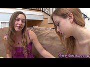 Девушки закрытых купальниках видео