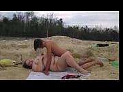 Девушка заглатывает член глубоко в горло видео