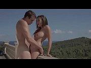 Секс пар снимают на видео