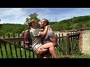 Секс папаша вместе с другом трахают дочку