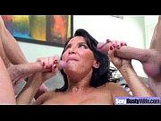 Порно видео смотретьдру трахает мамину подружку