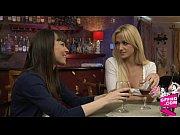 Русское порно видео трахает двух зрелых сестер