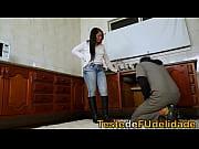 vídeo Novinha dancando funk de calcinha - http://funkdoporno.com