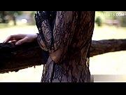 Порно в обтянутых штанах девушки