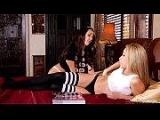 Порно с женщиной в красивом наряде видео