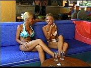 Лесбиянки с большими сиськами на природе видео