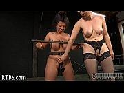 Видео жесткого секса группового много парней и одна девушка