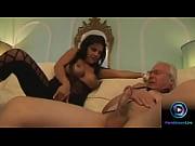 Лилипути трахаетса с докторами массаж видео