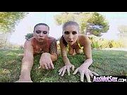 Видео девушки танцуют с подмахом пиздой