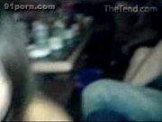 Пьяная зрелая дама разделась до гола перед гостями видео