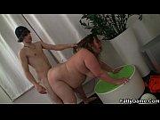 Секс с карликами на массажном столе видео