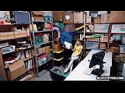 Доктор трахает молодую ученицу на осмотре
