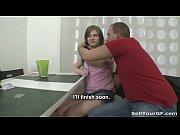 Отец рвёт дочке целку первый раз в пизду