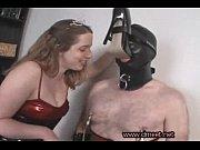 Очень молодой парень трахает жену мужика