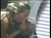 Порно видео транс в чулках дрочит