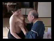 豊満な体で爺を誘惑して豪快なふぁっくを愉しむ四十路おばさんのおばはん性誌45歳ヘア【熟女】