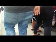 Голая грудь индуски трогать ее руками