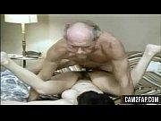 смотреть секс порно мать соблазнила дочь