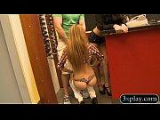 Порно видео натягивают баб на очень большой