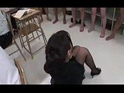 授業中の教室の後ろで生徒のザーメンをぶっかけられる女教師