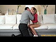 Порно с блондинки с длинными ногами в очках