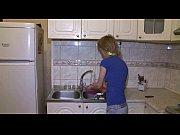 Русский парень снимает трусы со своей девушки на камеру