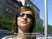 Напоили русскую девушку и сбили целку