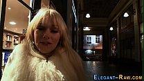 Смотреть сэкс мать уговорила дочку на лейсбийски сэкс