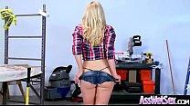 Мужчинаделает массаж женщине видео