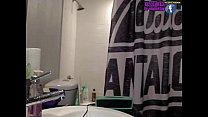 Mia Khalifa bailando sexy mientras se ducha en vivo - 26 de Junio de 2016